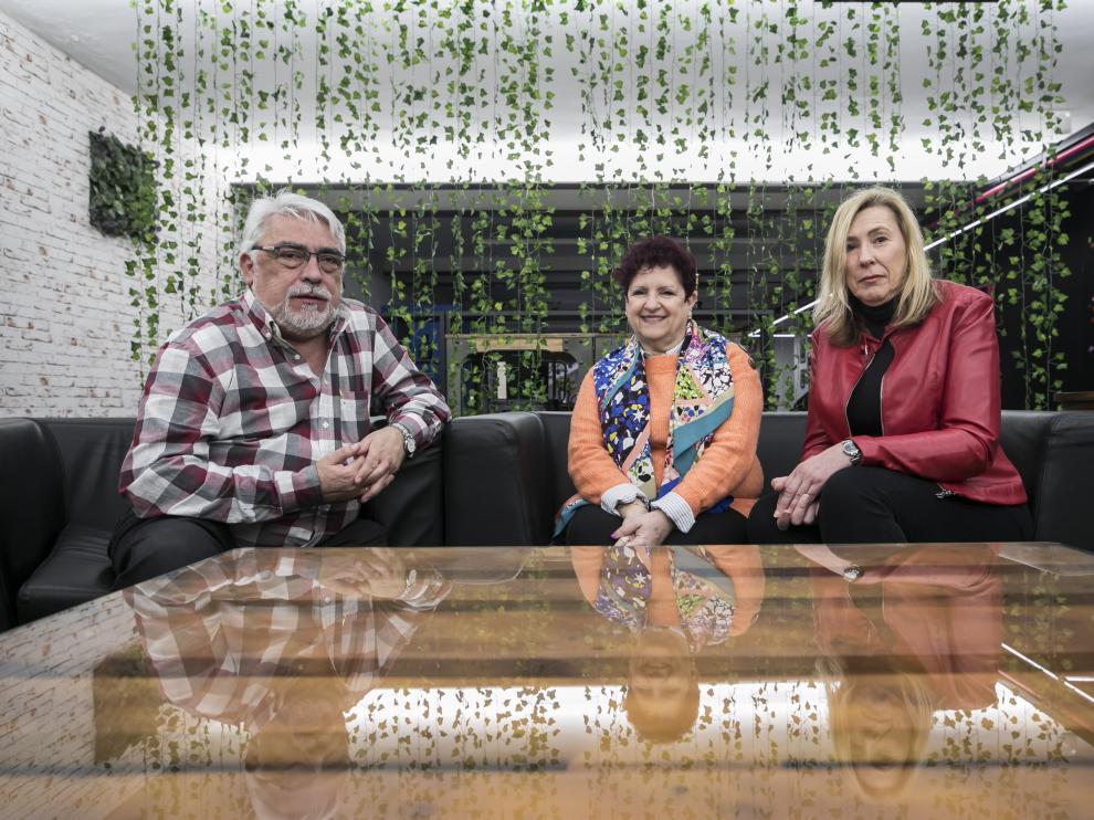 José Antonio Saz (diabetes), Pilar Giraldo (investigadora) y Cristina Fuster (enfermedad neuromuscular).