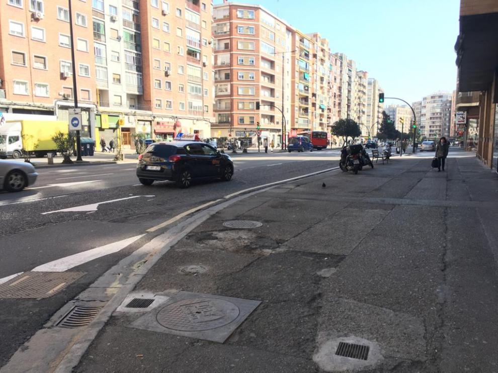 Los vecinos de la avenida de Navarra avanzan hacia el arreglo de sus aceras.