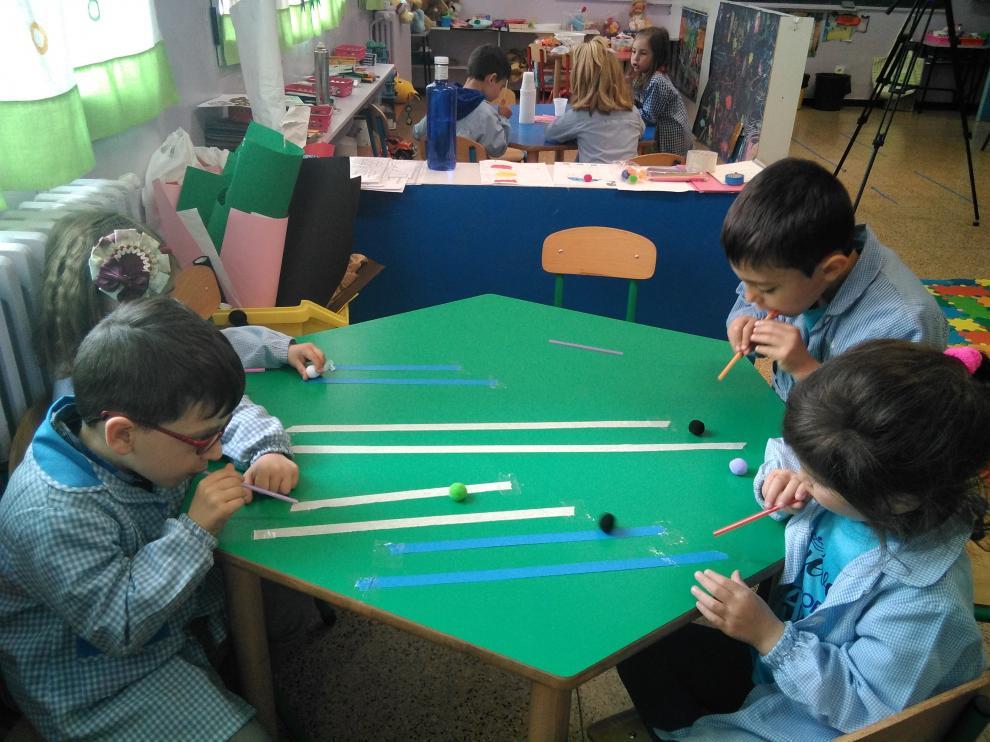 Los alumnos de Educación Infantil han realizado juegos relacionados con la respiración.