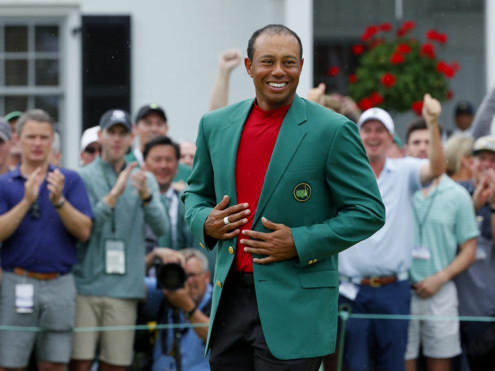 Tiger Woods celebra su triunfo en Augusta.