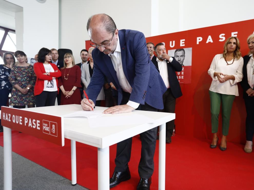 Lambán firma este lunes el compromiso por Aragón junto a los candidatos al Congreso y al Senado.