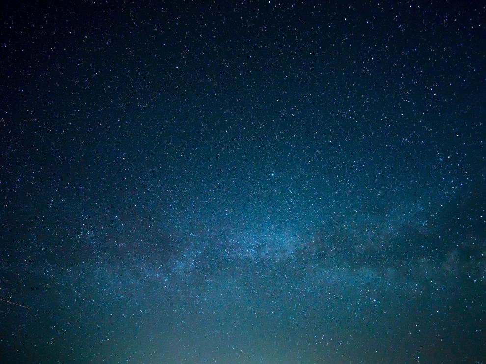 En la sexta estrella hacia la derecha