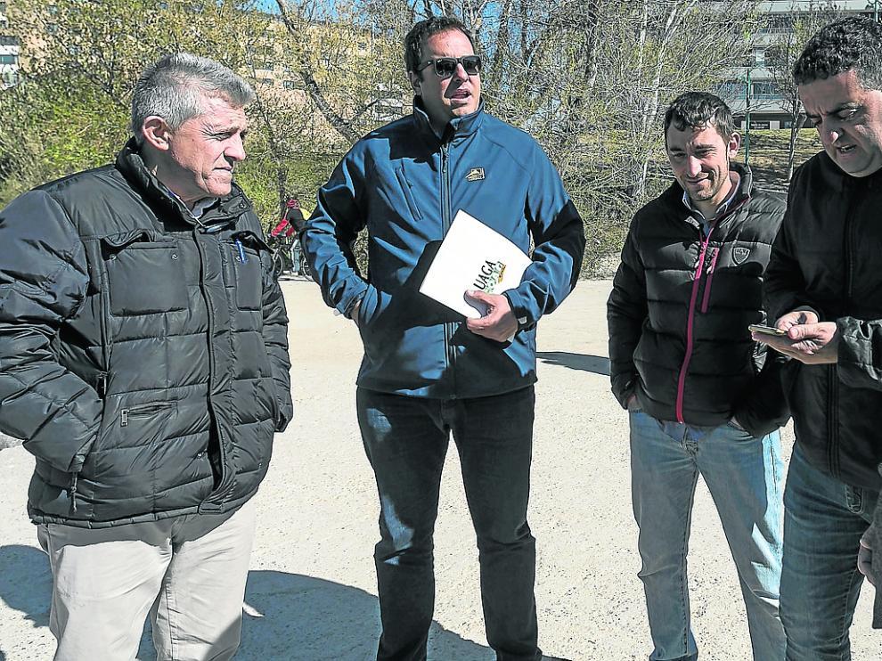 Samper (Asaja), Alcubierre (UAGA), Valero (Asaja) y Roche (UPA), en una reciente protesta.