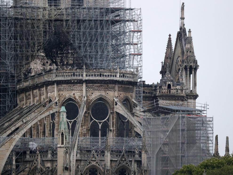 Evalúan los daños en Notre Dame tras el incendio