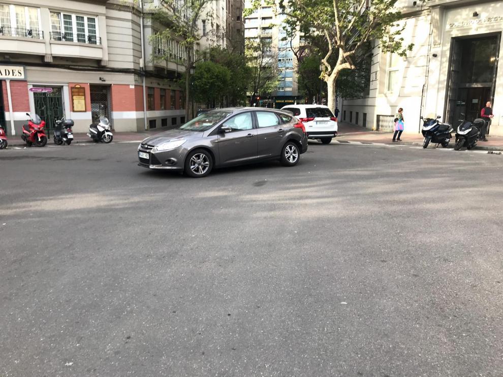 El coche golpeado por el conductor que dio positivo en alcohol y drogas.