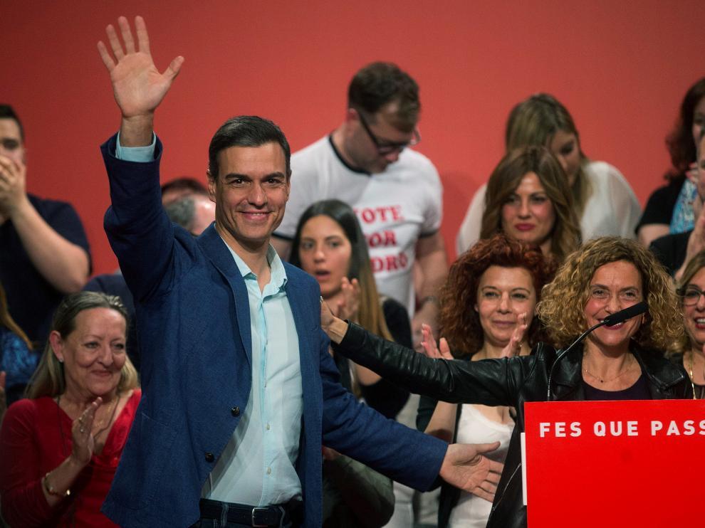 Pedro Sánchez replica al independentismo en un acto de campaña en Badalona.