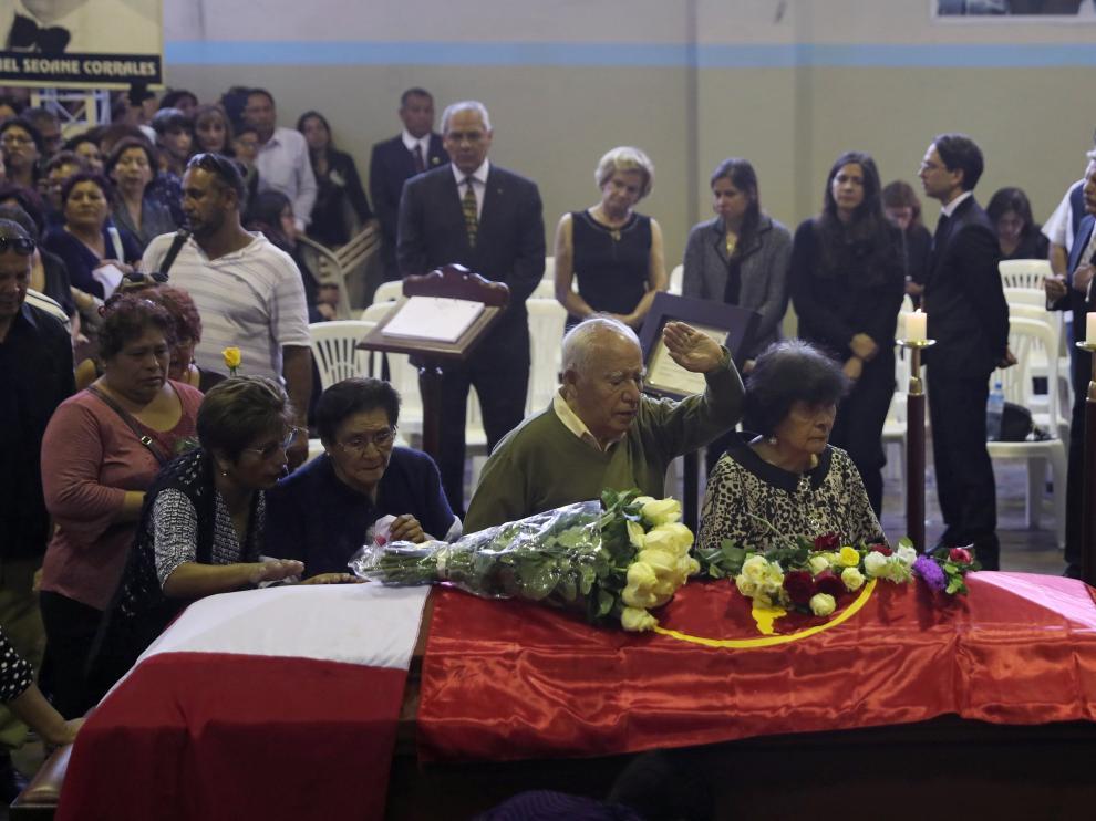 Miles de ciudadanos han querido despedirse del expresidente peruano