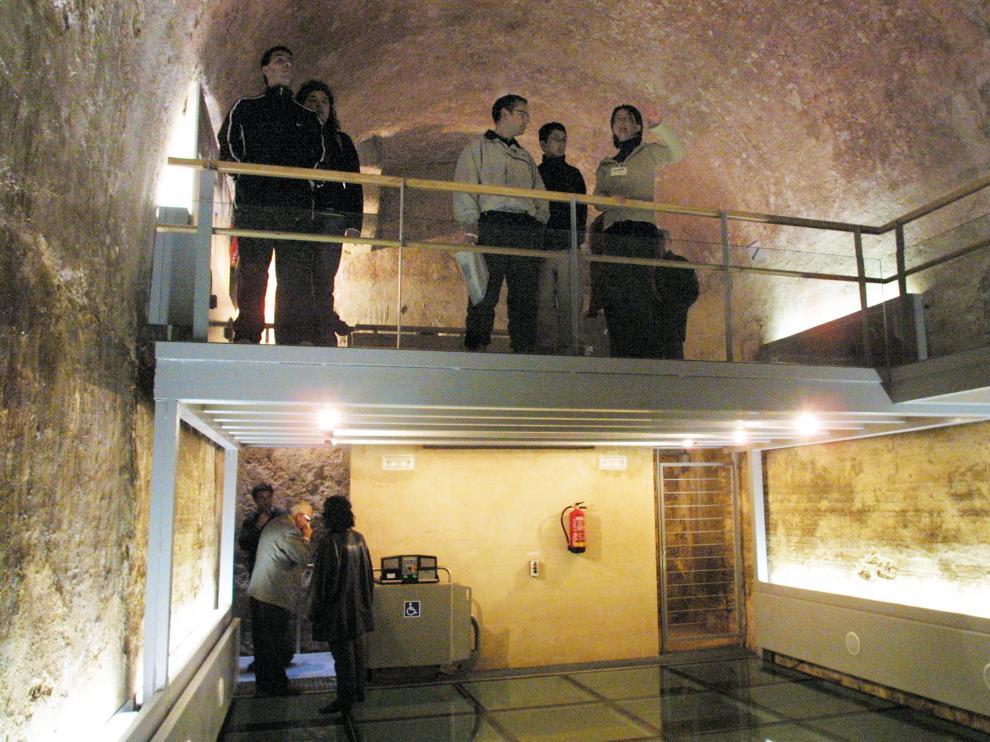 Aljibes medievales de Teruel abiertos definitivamente al publico.  Foto Antonio Garcia. 17-04-03 TE_ Aljibes 3.jpg