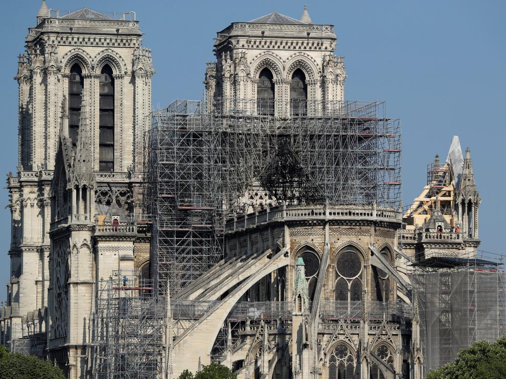 Scaffolding is seen at Notre Dame cathedral in Paris, France, April 20, 2019. REUTERS/Yves Herman [[[REUTERS VOCENTO]]] FRANCE-NOTREDAME/