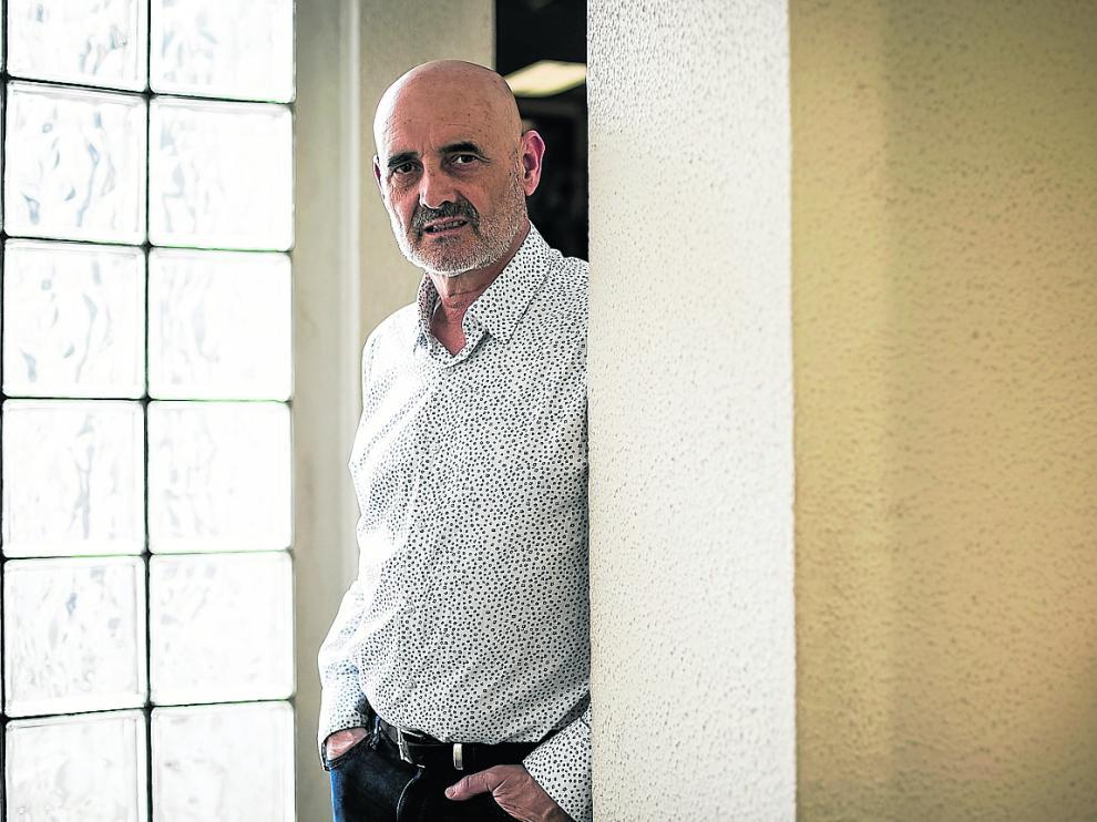 El locutor de radio y escritor Miguel Mena, el domingo en Zaragoza