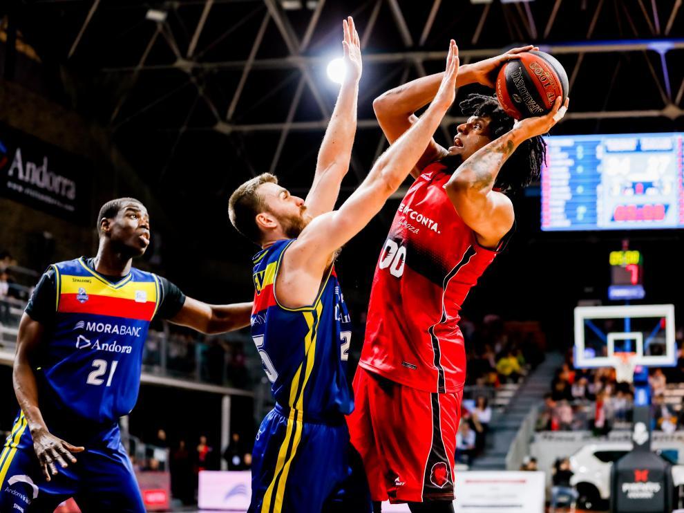 Justiz es defendido por Jelinek en el partido ante el Andorra.