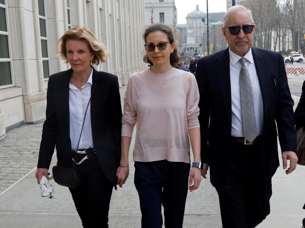 Clare Bronfman, heredera de la empresa Seagram's, a su llegada a los juzgados.