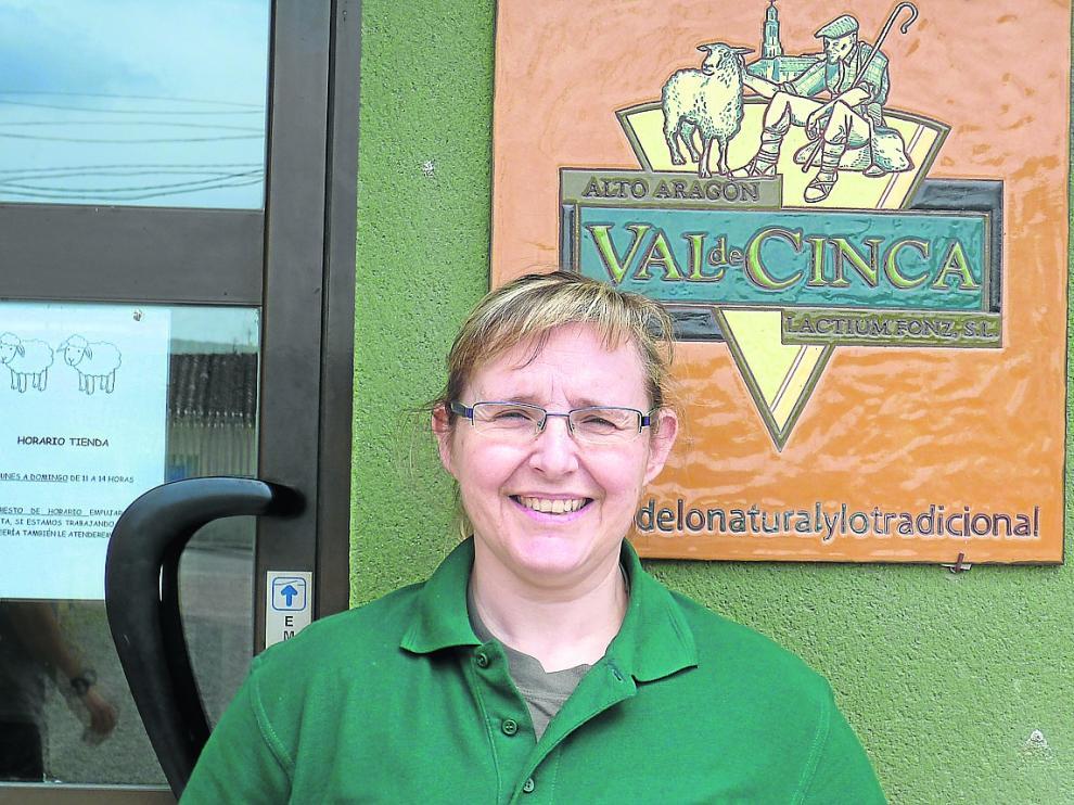 Pilar Febas, cofundadora de la quesería Val de Cinca, que actualmente emplea a siete personas en el municipio oscense de Fonz.