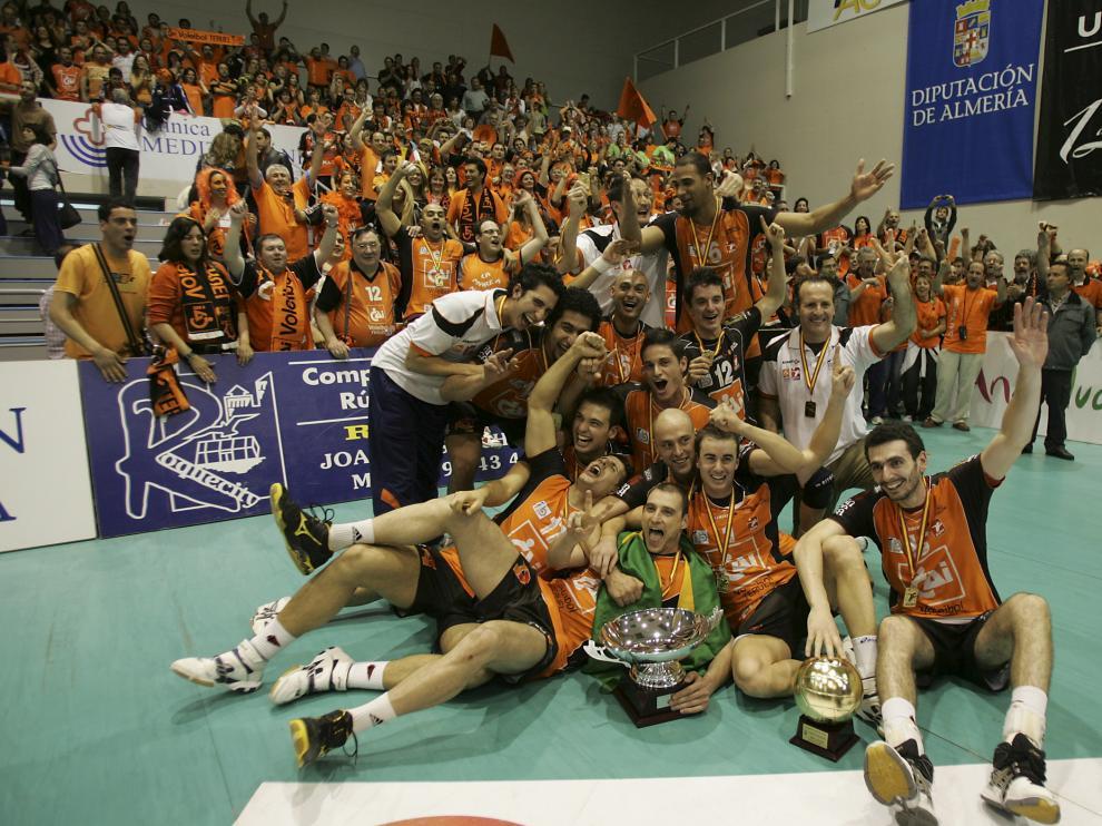 Cai voleibol teruel campeon de la superliga de Voleibol. Foto Antonio Garcia. 01-05-09