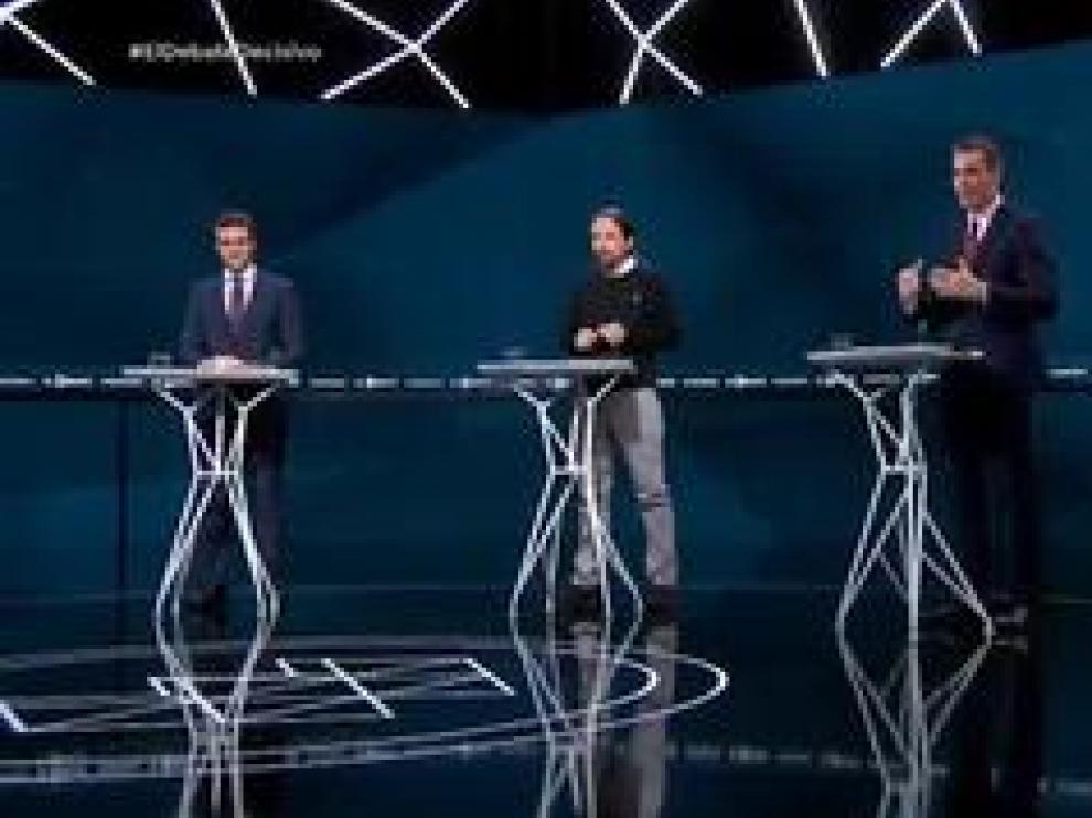 Los candidatos a presidir el Gobierno de España se enfrentaron el martes en el último debate electoral y encaran la recta final de la campaña