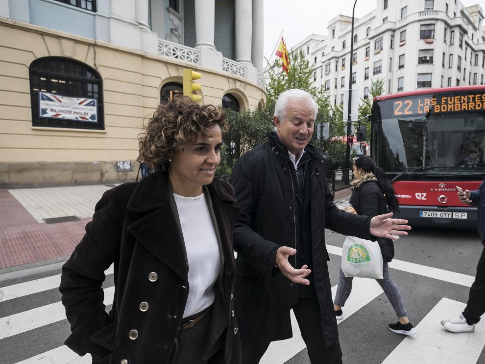 El cabeza de lista del PP al Congreso de los Diputados por Zaragoza, Eloy Suárez, junto a Dolors Montserrat.