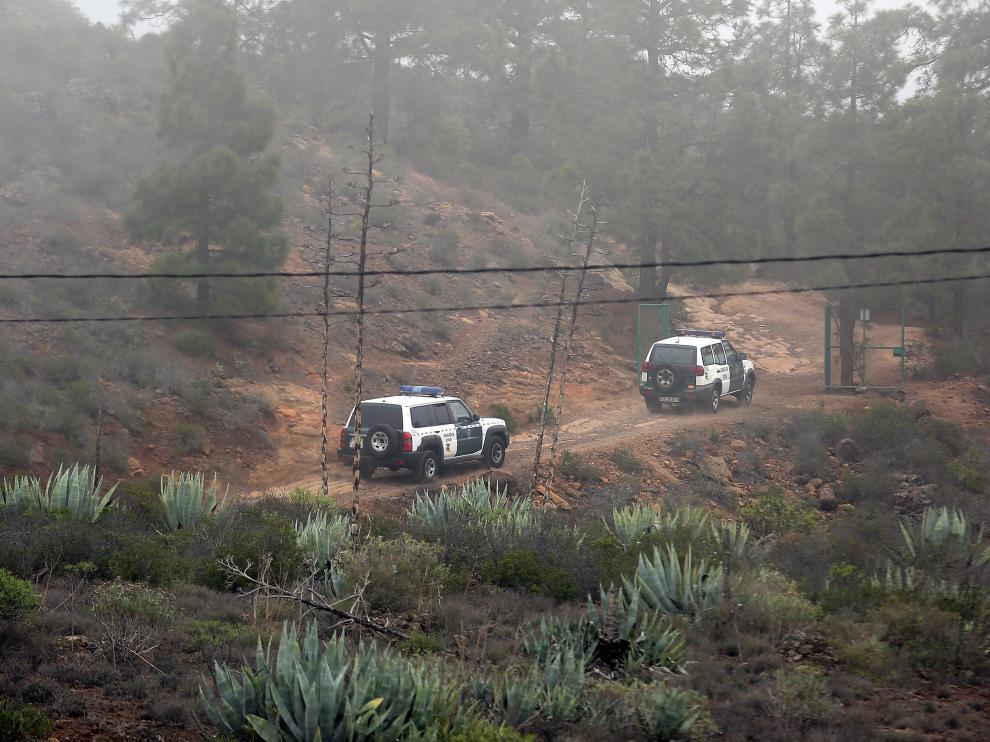 Tareas de búsqueda del niño y la mujer desaparecidos en Tenerife.