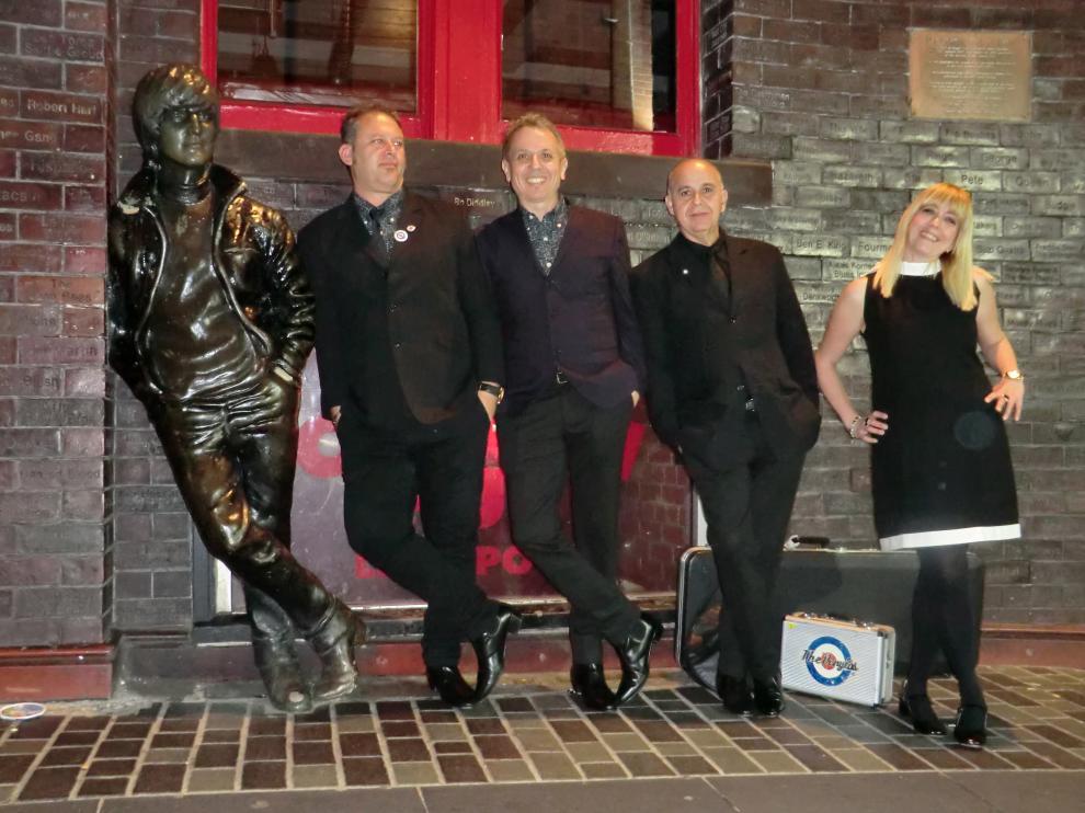 The Vinilos en su primera visita a Liverpool, en 2017. ARCHIVO MATÍAS URIBE
