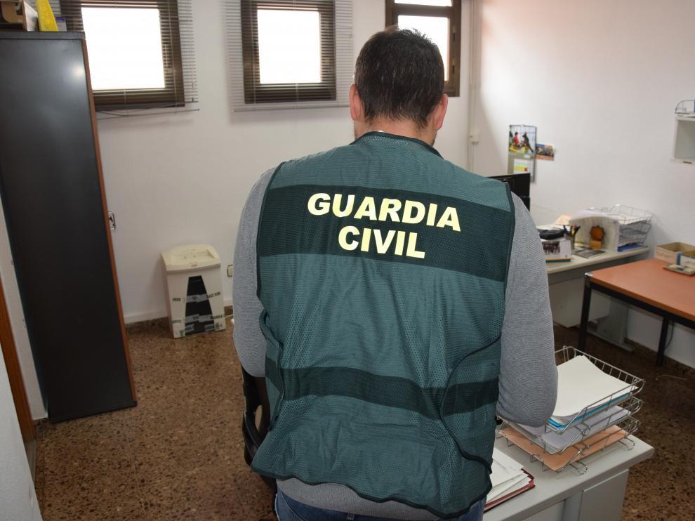 Las personas detenidas han sido puestas a disposición del Juzgado de Primera Instancia e Instrucción número 1 de Calamocha, que ha decretado el ingreso en prisión para uno de ellos y de la Fiscalía de Menores de Teruel.