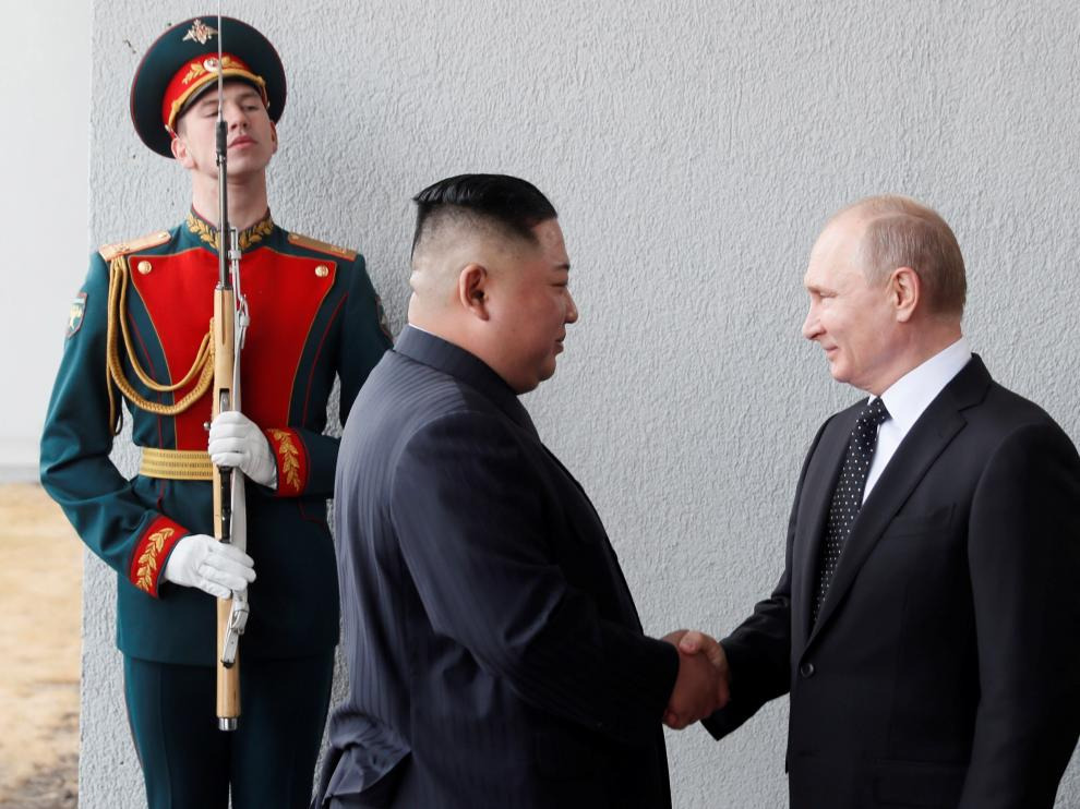 El líder norcoreano, Kim Jong-un, junto al presidente de Rusia, Vladímir Putin.
