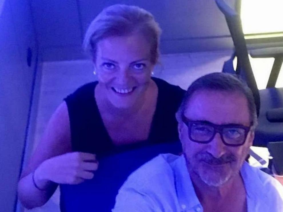 Paloma Tortajada y Carlos Herrera, juntos en un selfie.