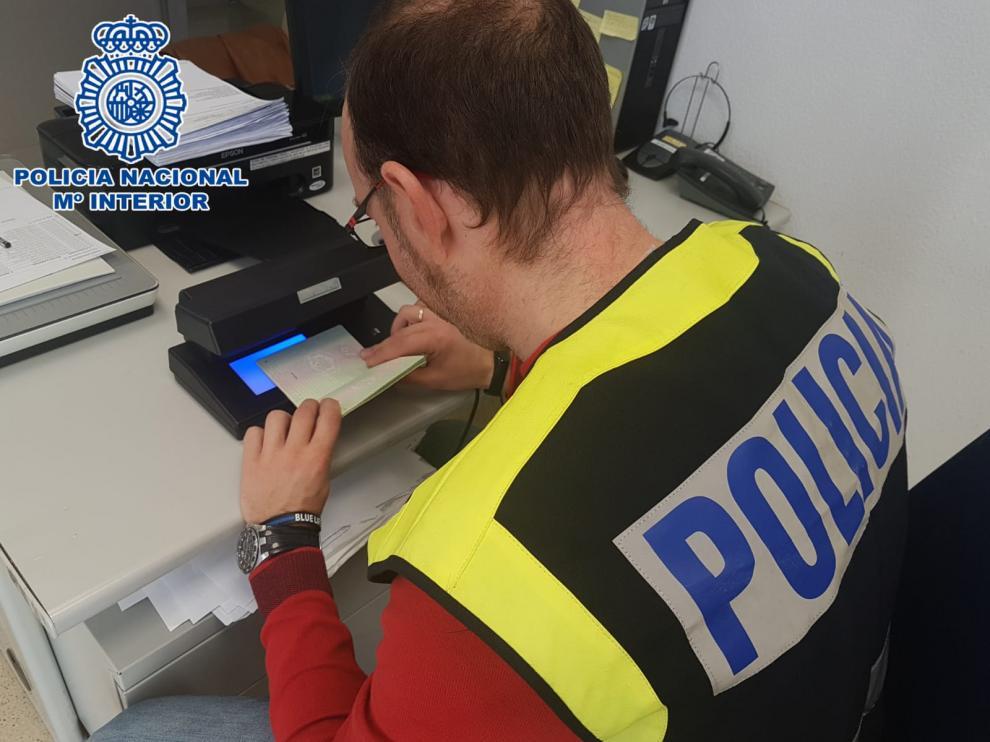 La detención del sospechoso fue llevada a cabo por agentes de la policía Nacional y Local de la capital altoaragonesa.
