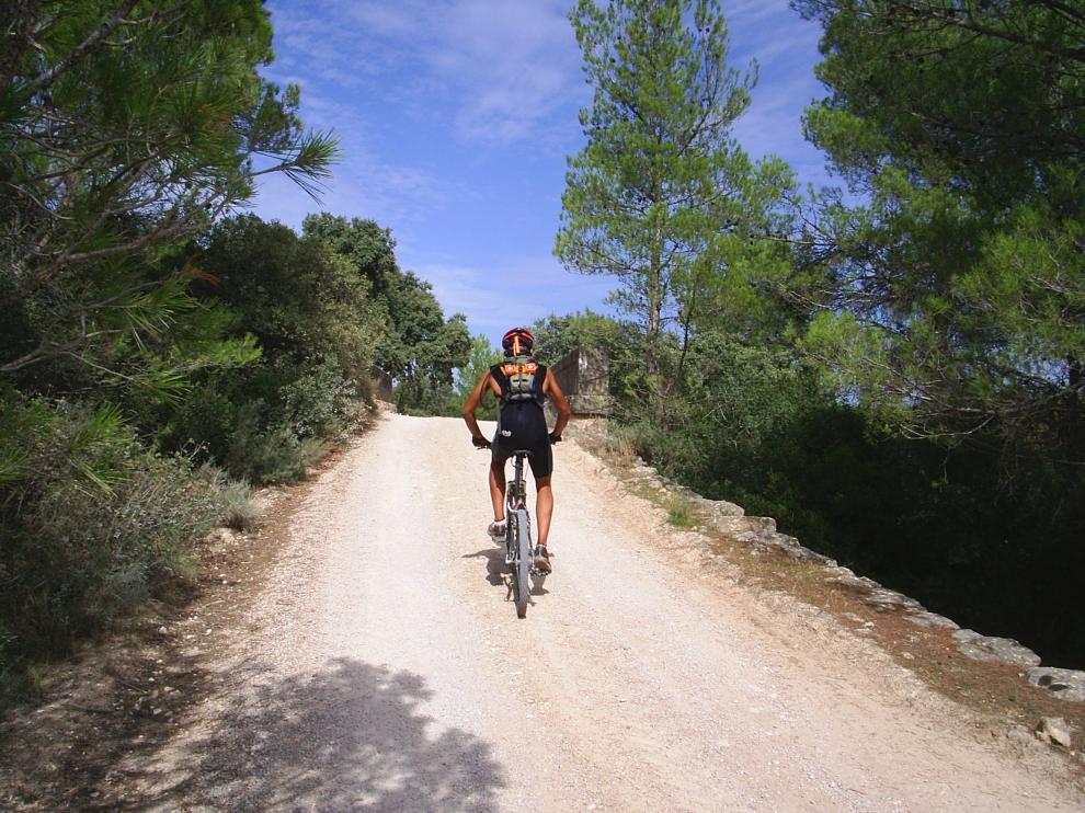 Vía Verde de la Val del Zafán, a su paso por la comarca del Matarraña.