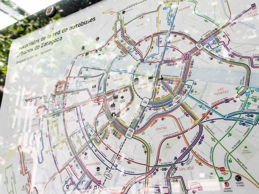 Los nuevos mapas informativos llegarán progresivamente a todas las marquesinas.
