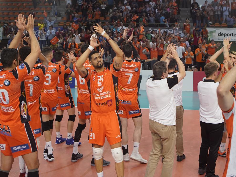 Primer partido de la final de superliga de Voleibol entre VoleibolTeruel y Unicaja Almeria. Foto Antonio Garcia/bykofoto. 27/04/19 [[[FOTOGRAFOS]]]