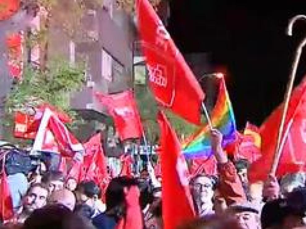 Pedro Sánchez, con el 98% de los votos escrutados, ha conseguido 123 escaños, una cifra que supone una subida de 38 diputados con respecto a los comicios de 2016
