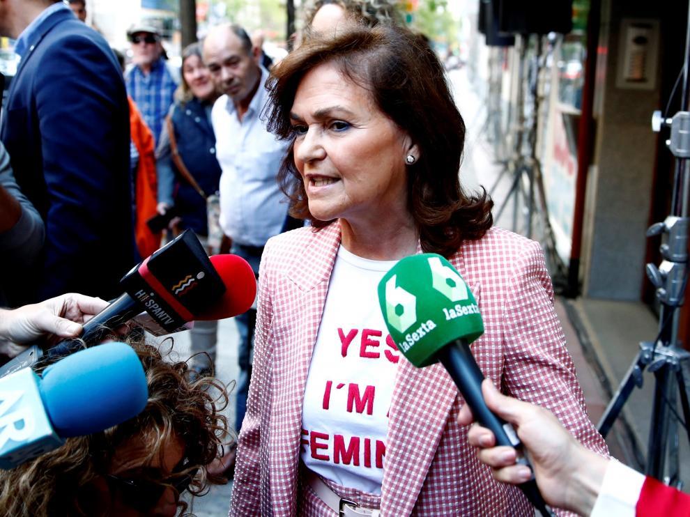 La vicepresidenta del Gobierno, Carmen Calvo, a su llegada a la sede del PSOE en Madrid.