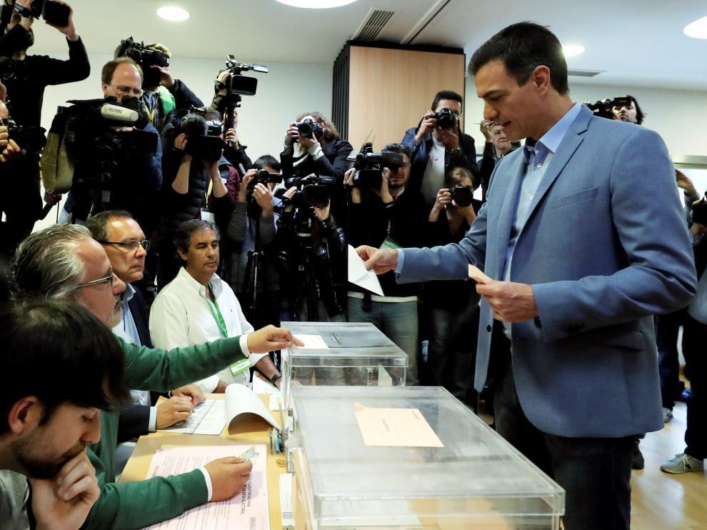 Pedro Sánchez, ha votado a las 9.30 en Pozuelo de Alarcón.