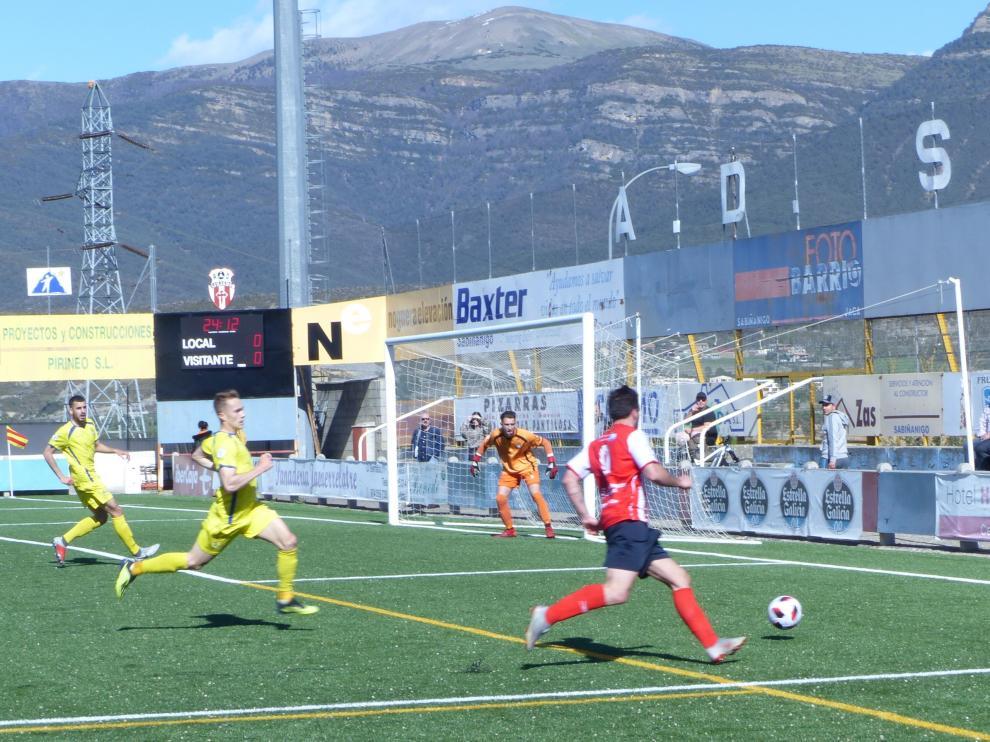 Sabiñánigo-Almudévar   Tercera División