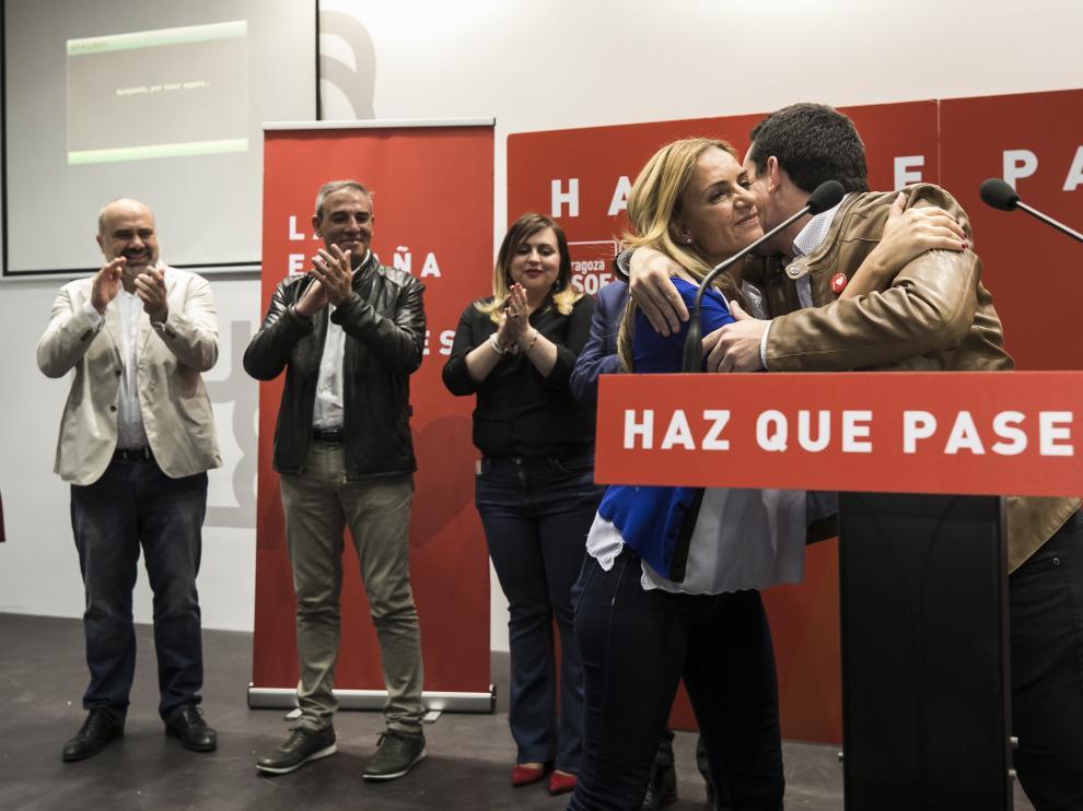 Los candidatos socialistas, anoche en la sede del PSOE-Aragón