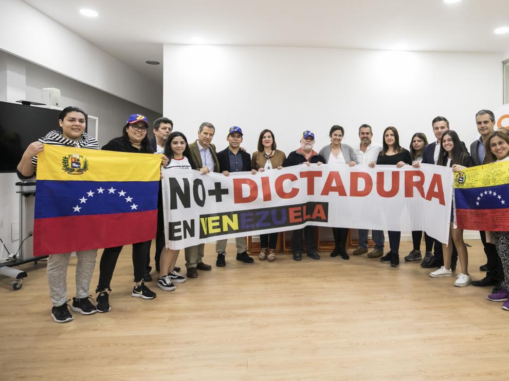 El grupo de venezolanos que se han reunido hoy en Zaragoza