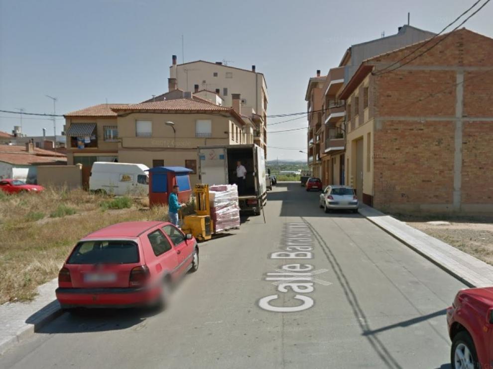 Imagen de la calle Barasona de Binéfar, donde se ha producido uno de los incendios.