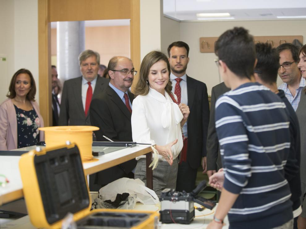 La reina Letizia ha visitado el instituto Segundo de Chomon en Teruelpara inagurar el curso academico. Foto Antonio Garcia/Bykofoto. 27/09/17 [[[FOTOGRAFOS]]]