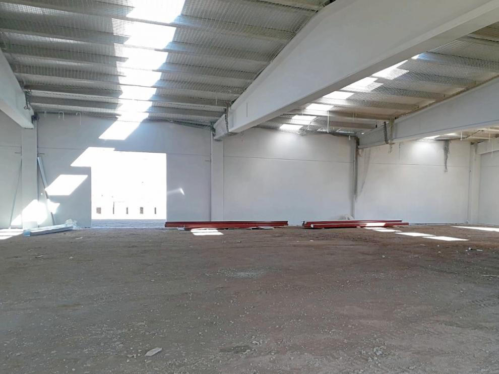 La primera fase consistió en la construcción cuatro naves en Los Llanos.