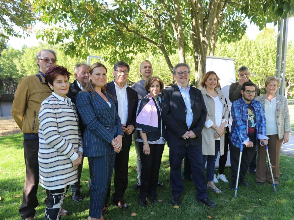 En imagen, la candidatura municipal del PAR al Ayuntamiento de Huesca, encabezada por Fernando Carrera.