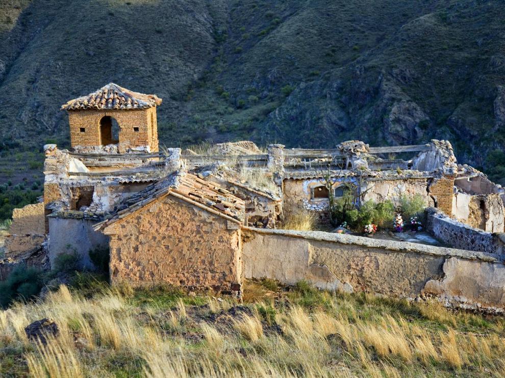La localidad abandonada de Villanueva de Jalón forma parte de los bienes mudéjares declarados Patrimonio de la Humanidad en 2001.