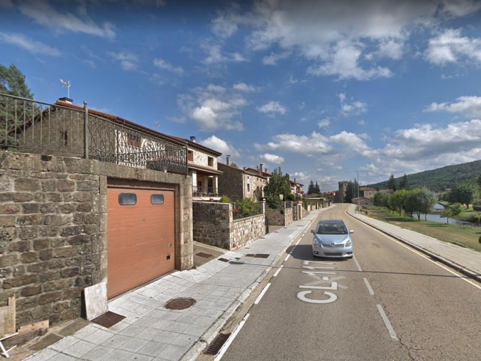 Una imagen de la calle de Rafael García, en Salduero (Soria).