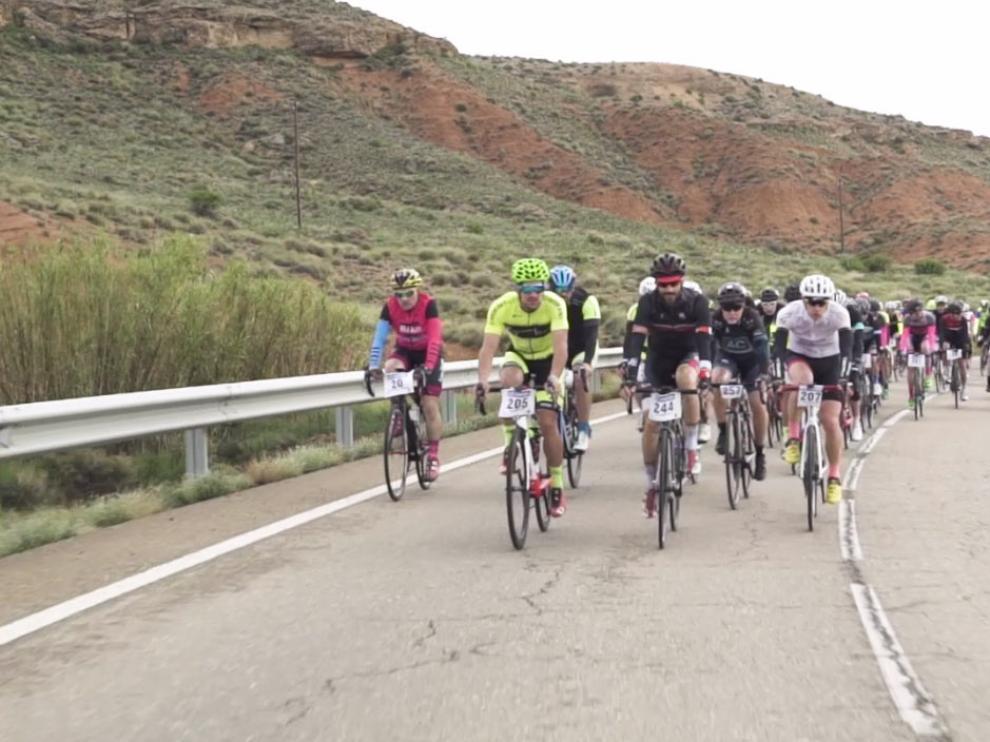 El pelotón, en acción durante la pasada edición de la Sesé Bike Tour