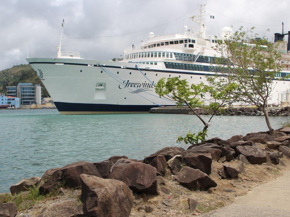El Freewinds, un crucero de 134 metros de eslora, estuvo en cuarentena por sarampión