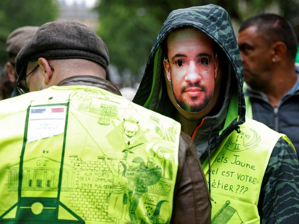 """Los """"chalecos amarillos"""" durante una protesta este sábado en París."""