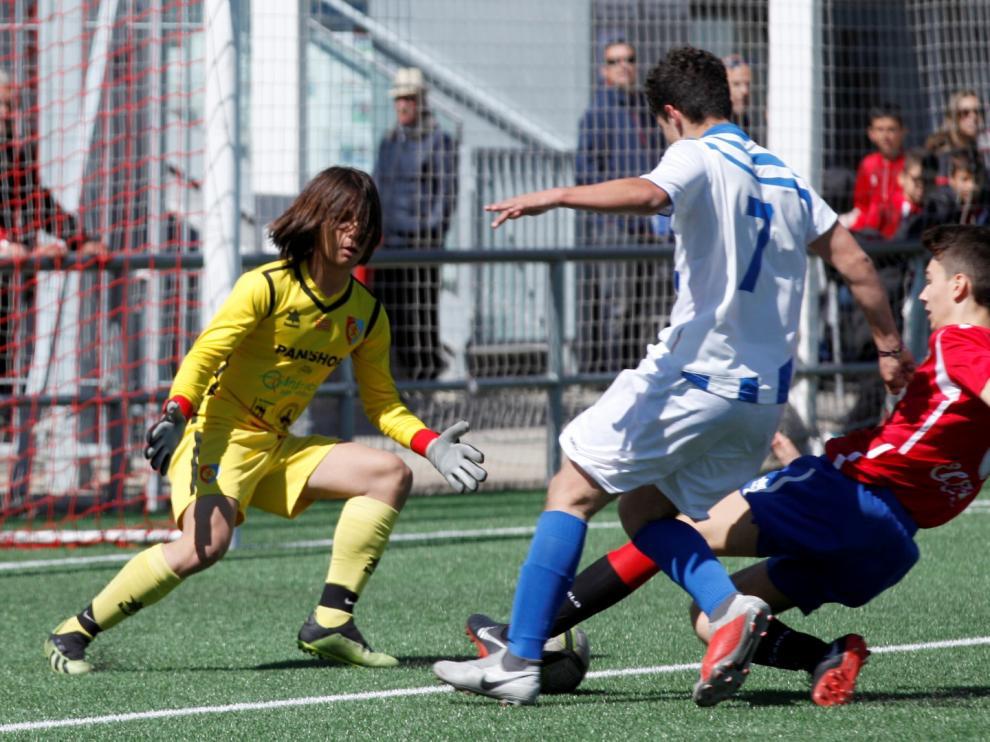 Fútbol. DH Cadete- Montecarlo vs. Ejea.