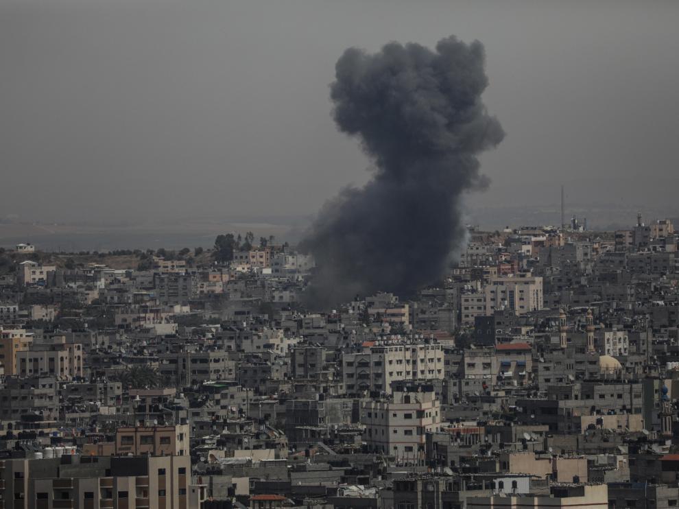 Nueve palestinos, entre ellos una mujer embarazada y su hija, y tres israelíes han muerto en las últimas horas en la mayor escalada de tensión en cinco años.