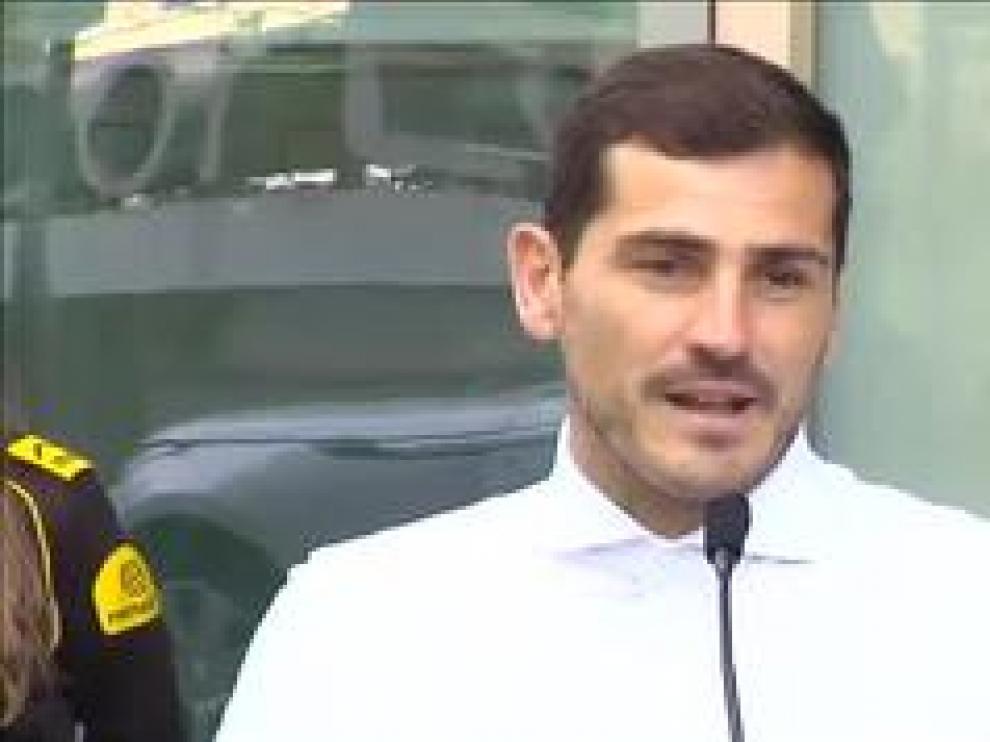 El cancerbero español sufrió un infarto la pasada semana y este lunes ha recibido el alta hospitalaria