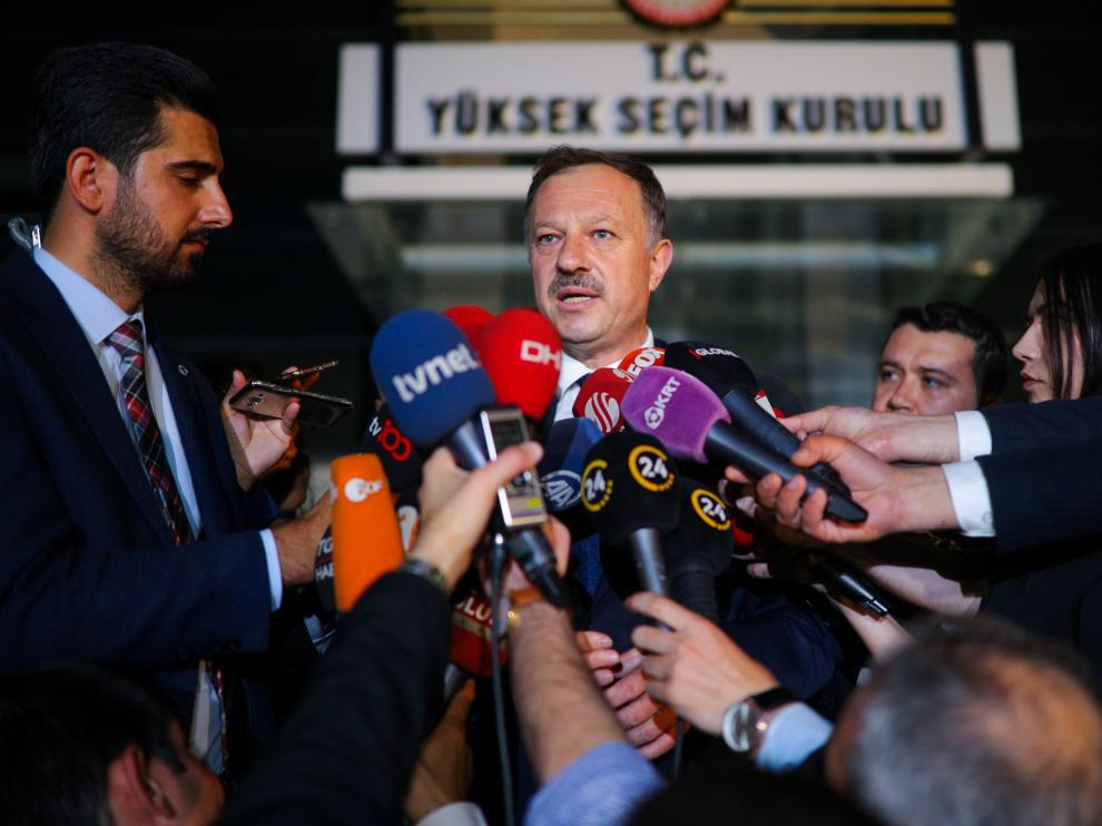 Recep Ozel, ruling AK Party's representative to the High Election Board, talks to journalists outside the High Election Board (YSK) in Ankara, Turkey, May 6, 2019. REUTERS/Stringer NO RESALES. NO ARCHIVES [[[REUTERS VOCENTO]]] TURKEY-ELECTION/AKP
