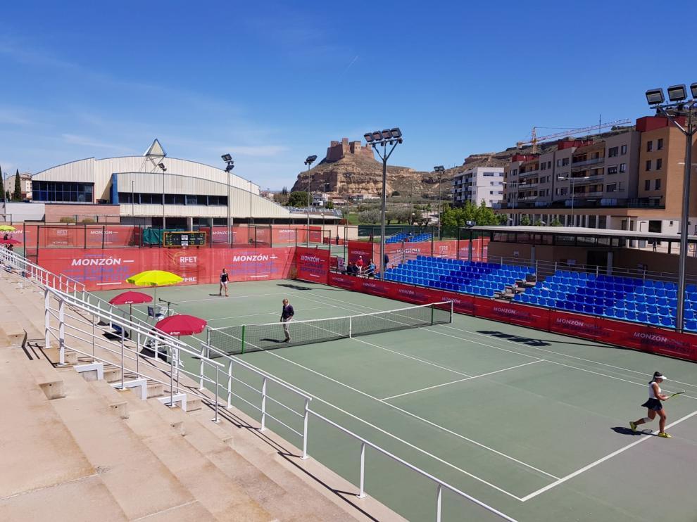 La final de dobles se disputará el sábado a las 16.30 y la de individuales al día siguiente a las 11.30.