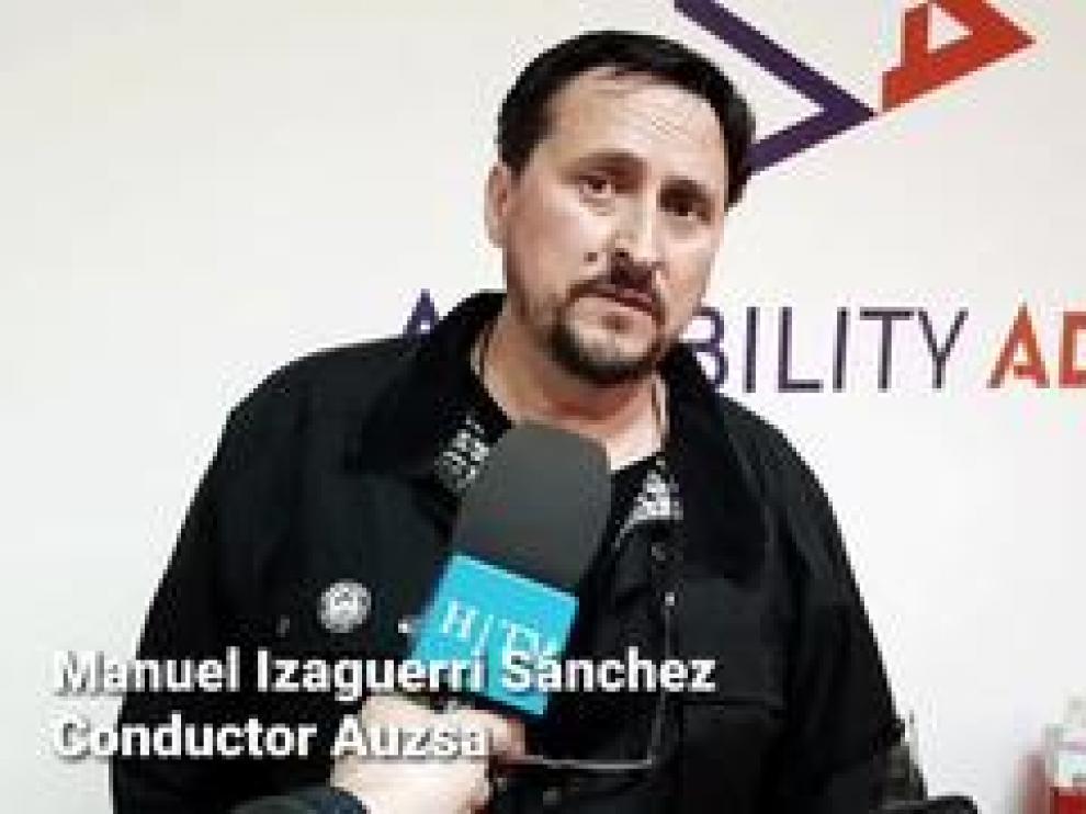 Manuel Izaguerri Sánchez, zaragozano de 58 años, vio la agresión desde el autobús que conduce y no dudó un momento en auxiliar a la chica.